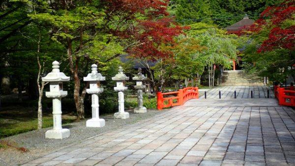 sejour-voyage-circuit-japon-koyasan-temple-mont-koya